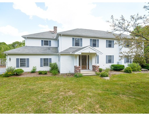 8 Oakwood Drive, Webster, MA
