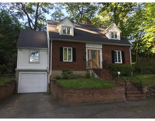 10 Chesterford Road East, Winchester, MA 01890