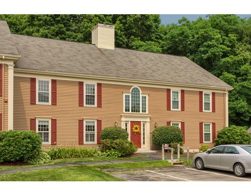 35 Essex Green Lane, Peabody, MA 01960