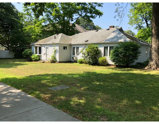 10 Nightingale Path, Newton, MA