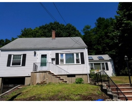 10 Lakeview Terrace, Woburn, MA