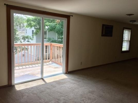 52 B Prospect St, Greenfield, MA: $99,000
