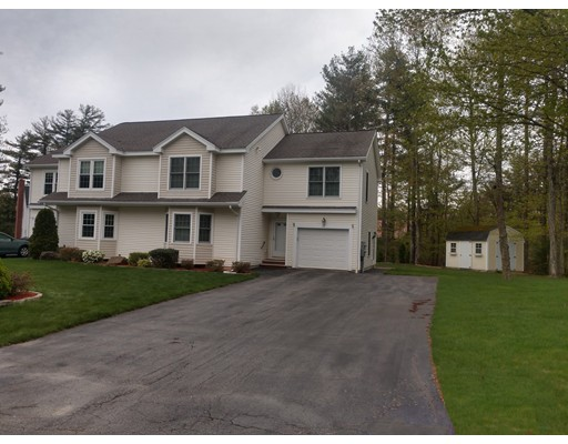 17 Goulds Way, Seabrook, NH