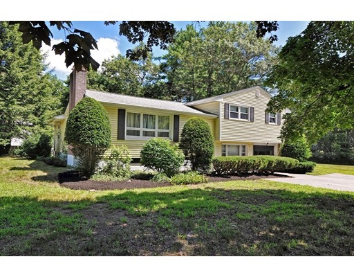 18 FAIRVIEW Road, Medfield, MA