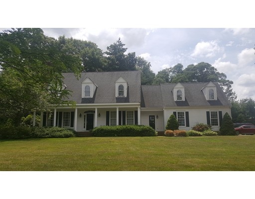 31 Planting Field, Medfield, MA