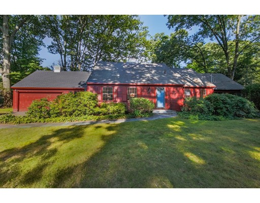 44 Fox Run Road, Hamilton, MA