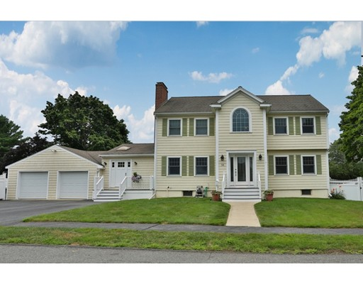 14 Clearwater Road, Peabody, MA