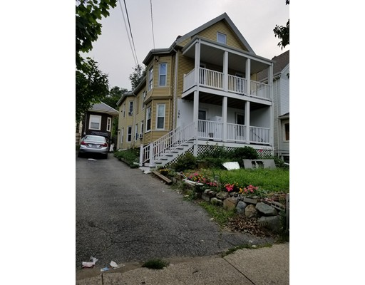 190 Webster Avenue, Cheshire, MA 02150
