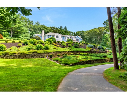 17 Brookfield Road, Dover, MA
