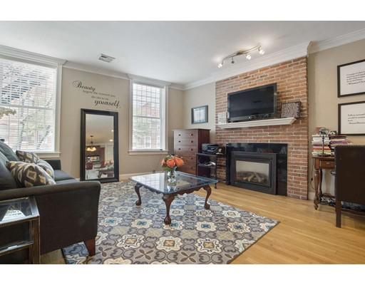 371 Hanover Street, Boston, MA 02113