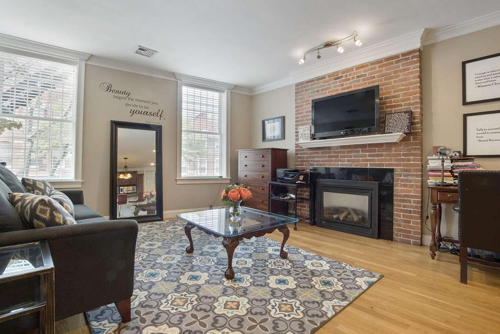 371 Hanover Street 2 Boston 02113 North End Kenmore Properties