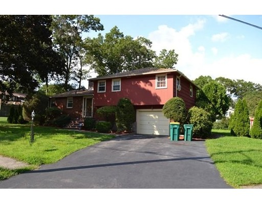 55 Harrow Road, Norwood, MA