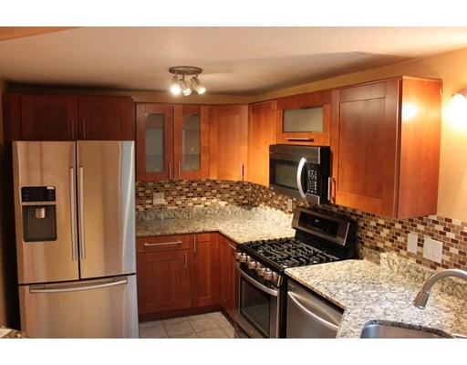 35 Treetop Park, Westborough, MA 01581