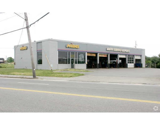 Former Midas Auto Service Center. Four year sub-lease opportunity at advantageous lease rate. Three bays and 3 lifts too!!  Rare and valuable chance to access this high visiblity, high traffic location for a number of different business opportunities.