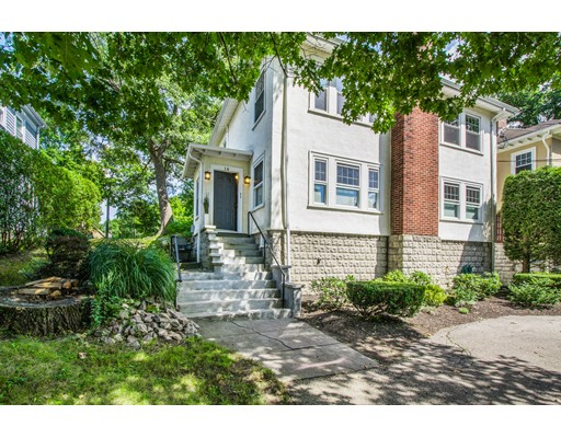 16 Rock View Road, Milton, MA 02186