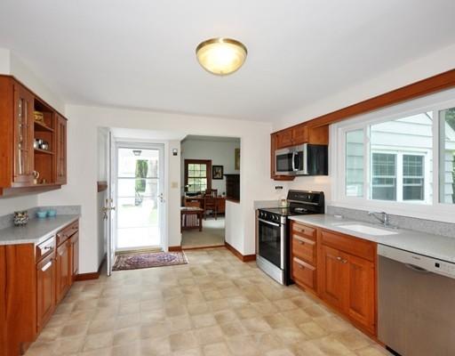 172 Harwood Avenue, Littleton, MA