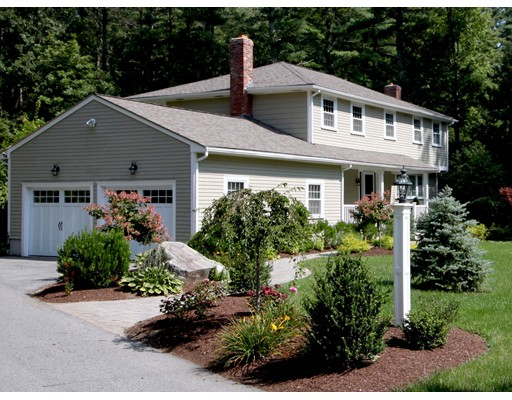 36 Indian Hill Road, Medfield, MA