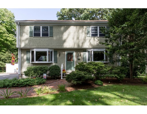 169 Highland Avenue, Dartmouth, MA