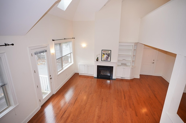 19 Wadsworth Ln, Wayland, MA, 01778, Middlesex Home For Sale