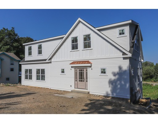 7 Willow Road, Marblehead, MA