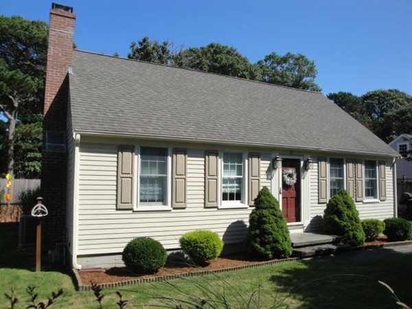18 Country Circle Dennis MA 02660