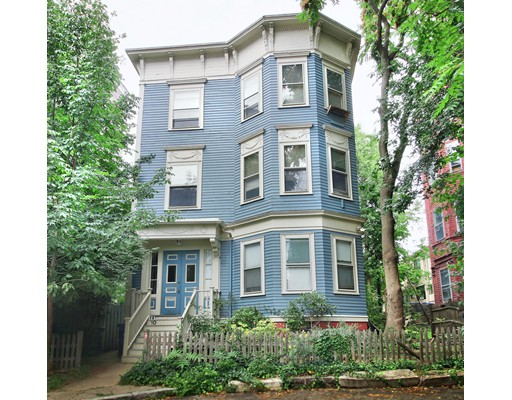 10 Arnold Circle, Cambridge, MA 02139