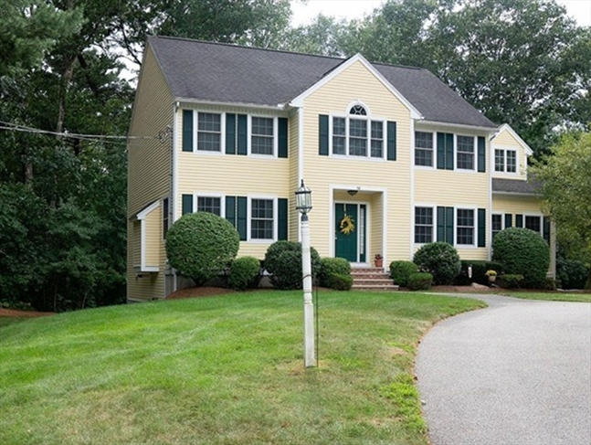 38 Lowell Road North Reading MA 01864