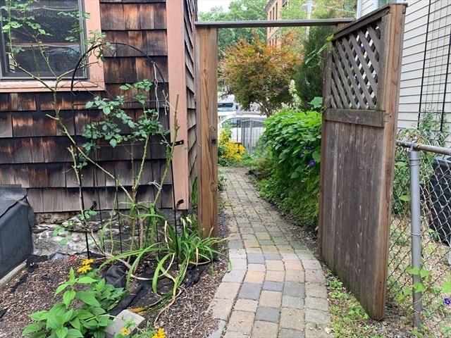 83 Green Street Boston MA 02130