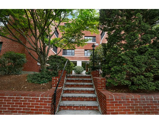 648 Washington Street, Brookline, MA 02446