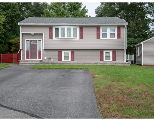 89 Bayberry Drive, Lowell, MA