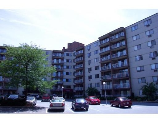 151 Coolidge Ave #602, Watertown, MA 02472