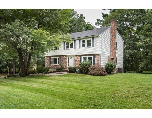 Photo of 70 Candlestick Rd North Andover MA 01845