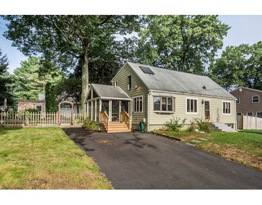 Photo of 15 Forest Rd Tewksbury MA 01876