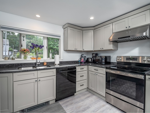 12 Edgemere Road, Lynnfield, MA, 01940, Essex Home For Sale
