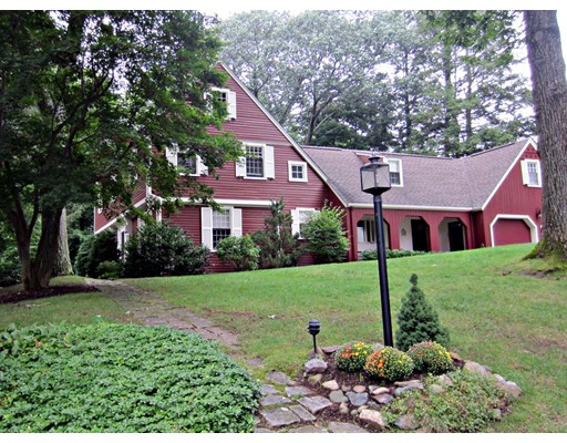 35 Old Colony Road, Wellesley, MA