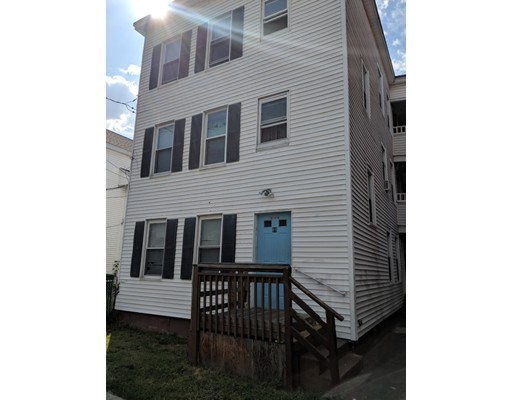89 School Street, Chicopee, MA 01013