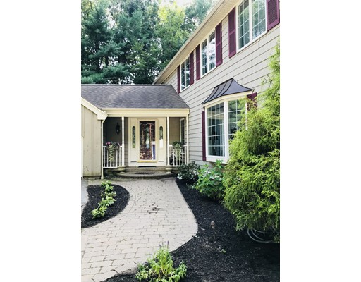 25 Pillings Pond Road, Lynnfield, MA
