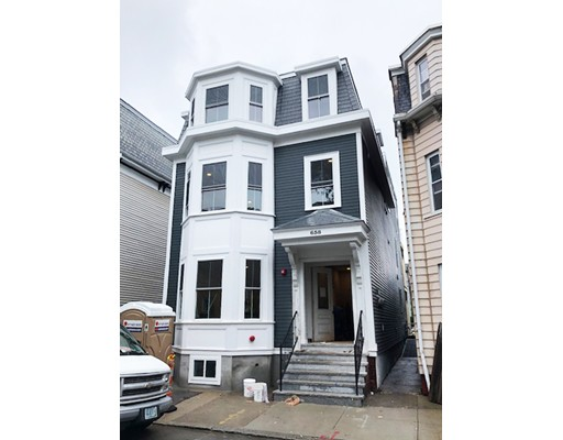 658 E 7th Street, Boston, MA 02127