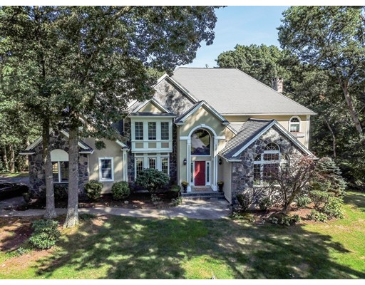 10 High Ridge Circle, Franklin, MA