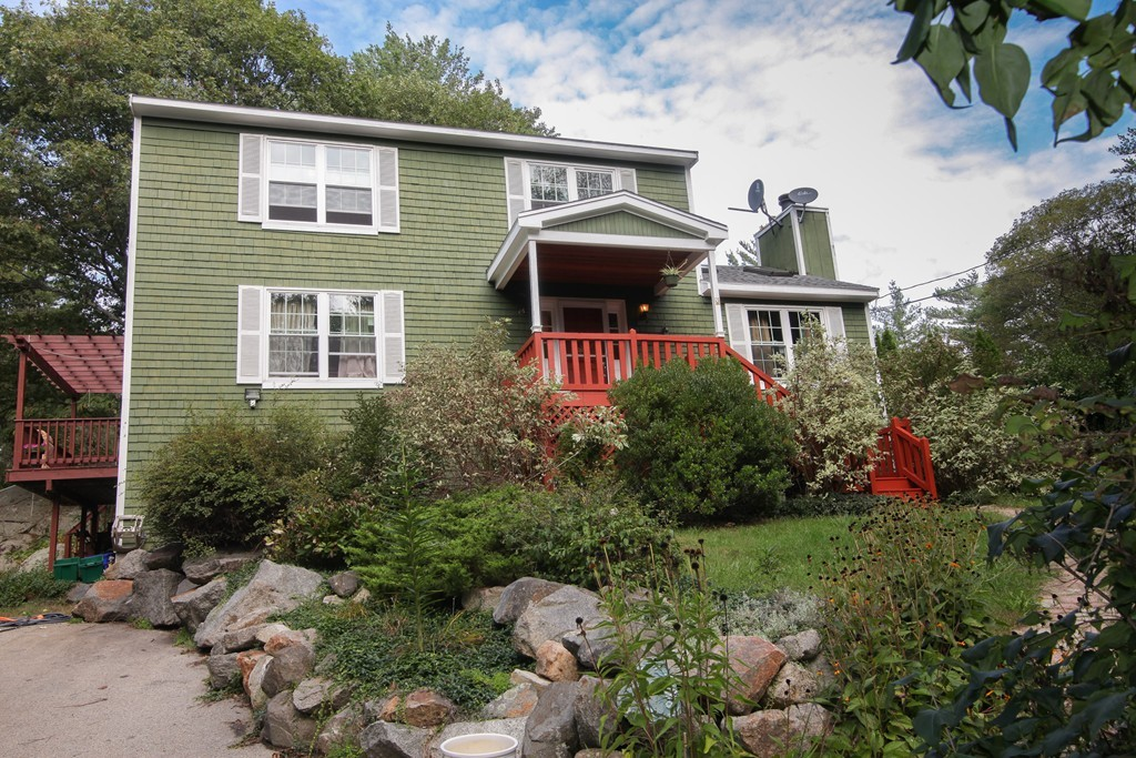 18 OVERLOOK AVE, GLOUCESTER, MA 01930
