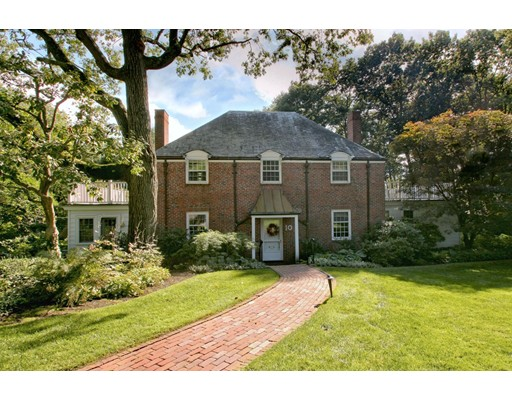 10 Old Colony Road, Wellesley, MA