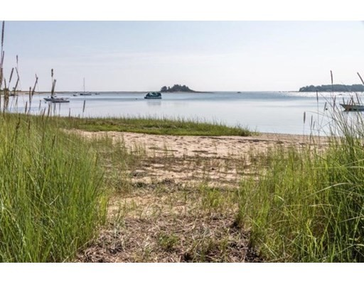 3 Beds, 1 Bath home in Chatham for $2,995,000