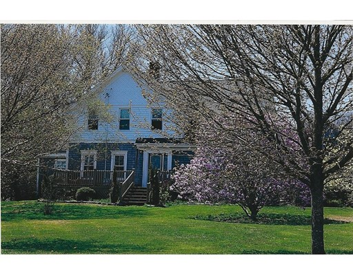 25 Maple Ave, Little Compton, RI 02837
