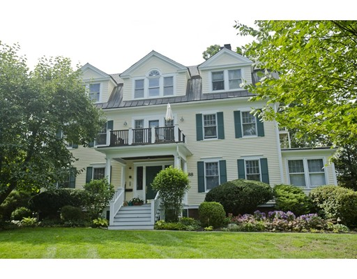 88 Round Hill Road, Northampton, MA 01060