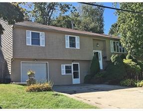 100 North View Avenue, Cranston, RI 02920