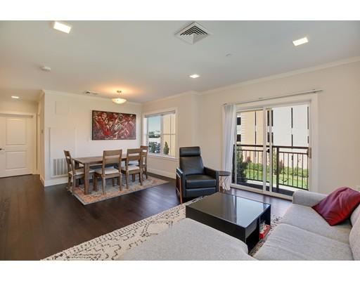 320 Maverick Street, Boston, MA 02128