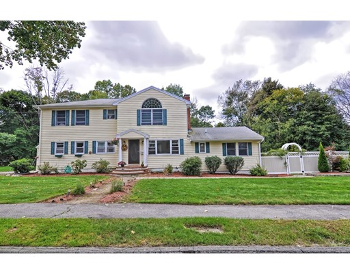 26 Temple Road, Lynnfield, MA