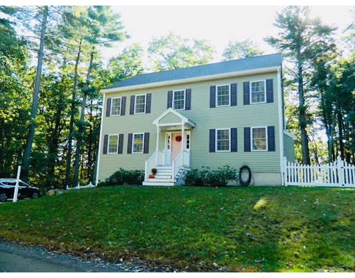 22 Hollywood Terrace, North Reading, MA