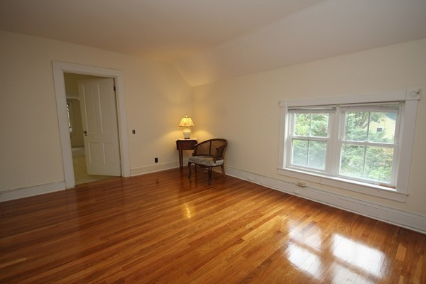 33 Middle Street Dartmouth MA 02748