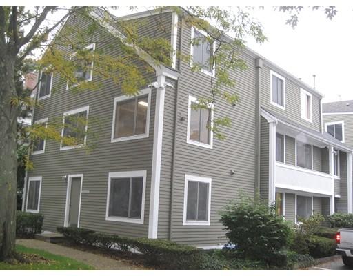205 Willow Street, Hamilton, MA 01982